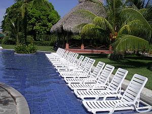 Pool at the Decameron Resort in Panama 02.jpg