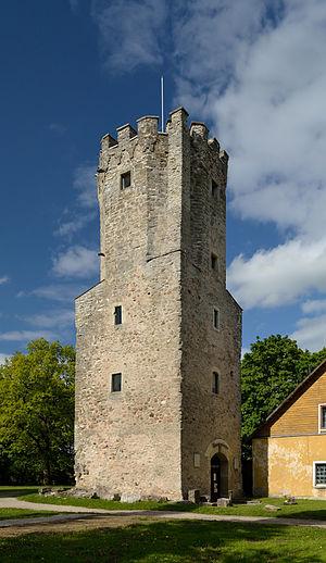 Lääne-Viru County - Image: Porkuni linnuse väravatorn