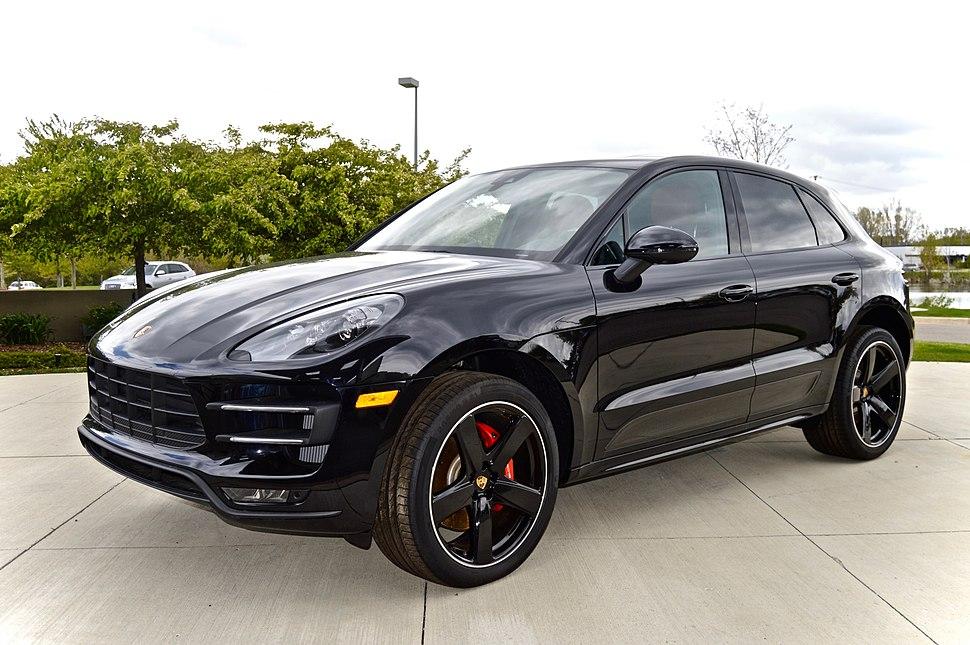 Porsche Macan Turbo black