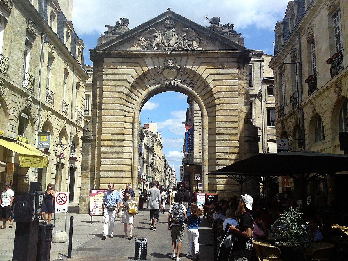 Porte dijeaux wikip dia for La porte and associates