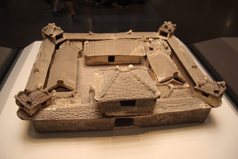 File:Pottery courtyard, 3 kingdoms, Wu, Hubei, 1967. NationalMusemBeijing.JPG