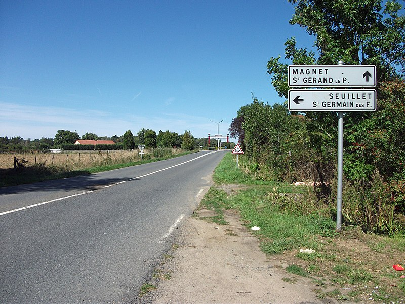 Road before Magnet, Allier [8866] - Directional road signs made in 1997