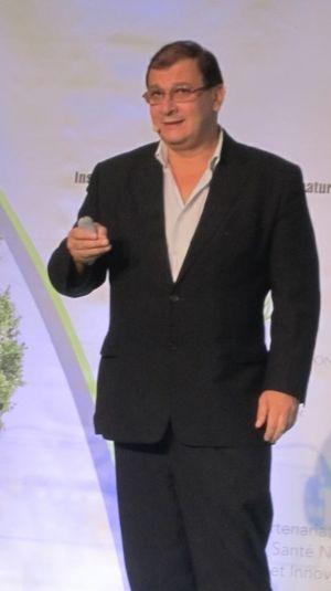 Séralini, Gilles-Éric (1960-)