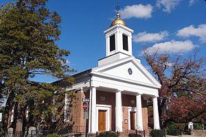 Presbyterian Church in Basking Ridge - Church and oak tree to the right, in 2013