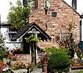 Pretty garden (28035435089).jpg