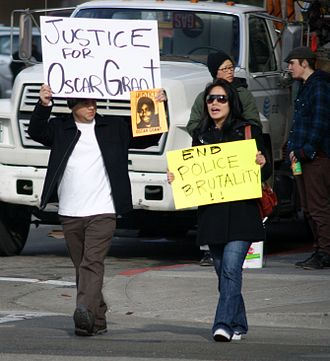 Shooting of Oscar Grant - Protesters holding signs on January 8, 2009