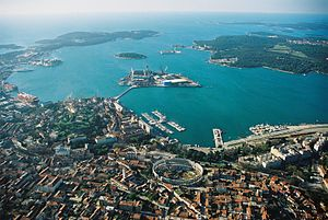 Istria - Image: Pula avion