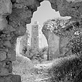 Ramle Ruines van de Witte Moskee met zicht op de Witte Toren die gotische kenme, Bestanddeelnr 255-3854.jpg