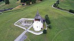 Reformed church of Davos Frauenkirch, aerial photography 2.jpg
