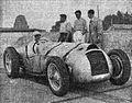 René Dreyfus vainqueur du million en 1937 a Montlhéry, sur Delahaye Type 145.jpg