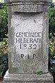Rheinbach OT Hilberath, Brunnenstraße, Trachytkreuz Inschrift (34).jpg
