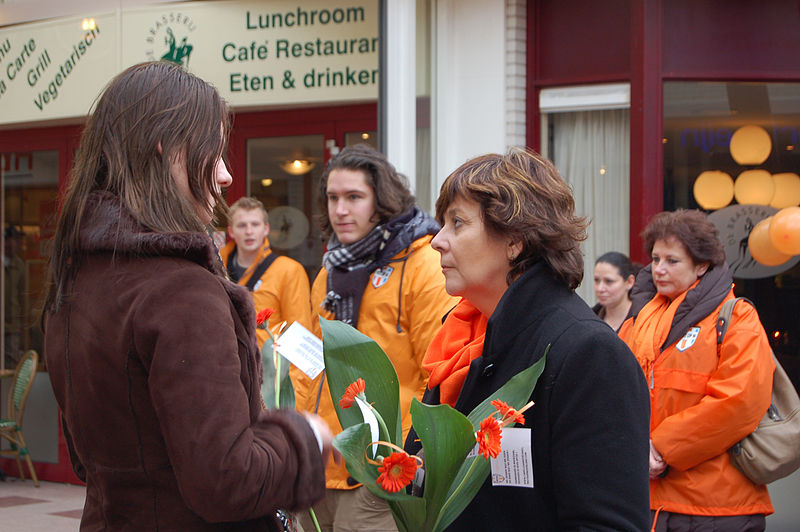File:Rita-Verdonk-en-haar-campagneteam-Capelle-aan-den-IJssel-DSC 0128.jpg