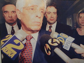 Richard Rossi - After hearing of the hung jury, Rossi attorney Jim Ecker (foreground) faces the press with attorney Alexander H. Lindsay, Richard Rossi (3rd from left, behind Ecker), and Attorney Susan Jackson at the Butler County Courthouse (Pennsylvania) on March 31, 1995.