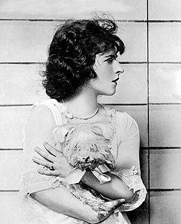 Ruth-Gordon-Seventeen-1918-2.jpg