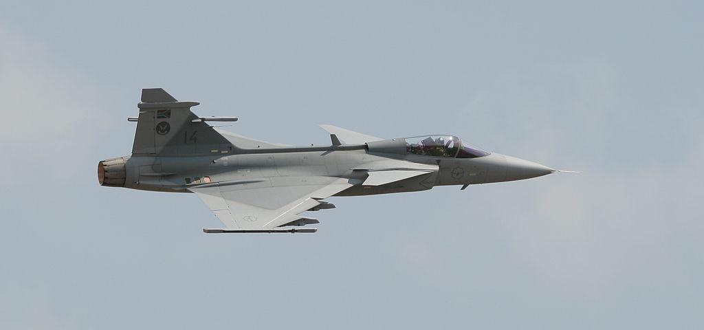 المقاتلة الذكية GRIPEN 1024px-SAAF-Gripen-001