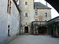 Sainte-Mondane château Fénelon cour nord-est.JPG