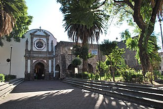 Iztacalco - Atrium and facade of the San Matías parish and former monastery