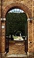 San quirico d'orcia, horti leonini, ingresso e mura 05.jpg