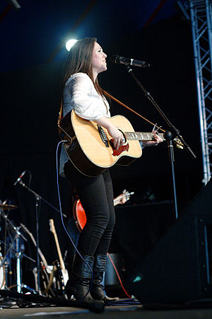 Sandi Thom - Thom performing live during her Merchants and Thieves tour in 2011