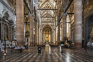 Sant'Anastasia (Verona) - View of the interior.