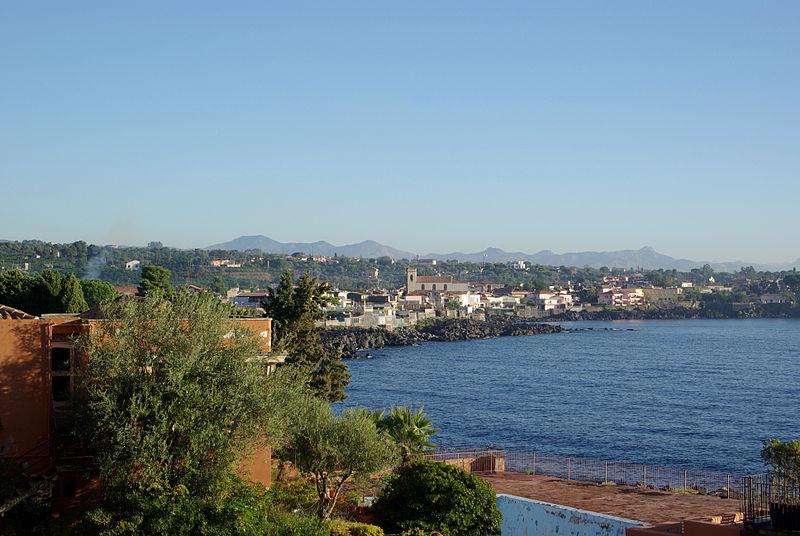 File:Santa Tecla BW 2012-10-05 08-06-21.JPG