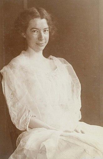 Sara Teasdale - Sara Teasdale, 1907 Missouri History Museum Photograph and Print Collection. Portraits  n38637