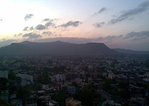 Satara (city) - View of Satara City at sunset from Chaarbhinti (Clicked at 11 December 2010; 1815 hrs.(IST)