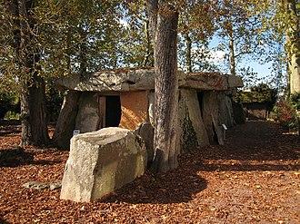 Dolmen de Bagneux - Image: Saumur Dolmen Bagneux 2007