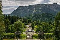 Schloss Linderhof mit Umgebung.jpg