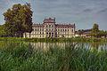 Schloss Ludwigslust mit Teich.jpg