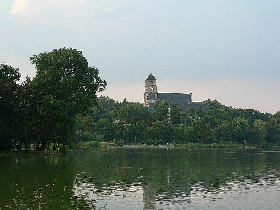Schlossteich und -kirche in Chemnitz (Hiroshi)