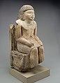 Seated Statue of the Nomarch Idu II of Dendera MET 98.4.9 EGDP019081.jpg