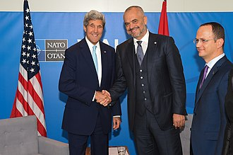 Edi Rama - U.S. Secretary of State John Kerry and Edi Rama in Newport, United Kingdom. (5 September 2014)