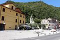 Seravezza, piazza carducci 02.JPG