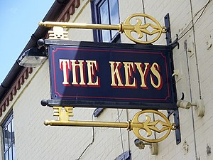 English: Sign for the Keys, Totton A common si...