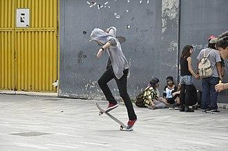 Kickflip - Image: Skateboarding at Mexico City Flip 031
