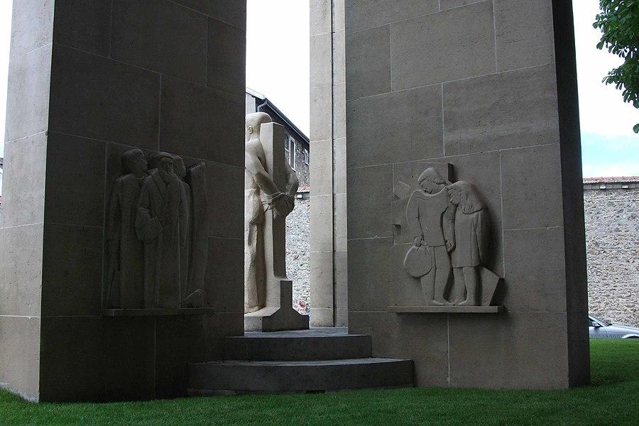 Vue du sud du monument aux morts du Square souvenir.