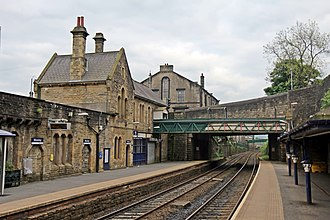 Mossley railway station - Image: Station buildings, Mossley railway station (geograph 4005254)