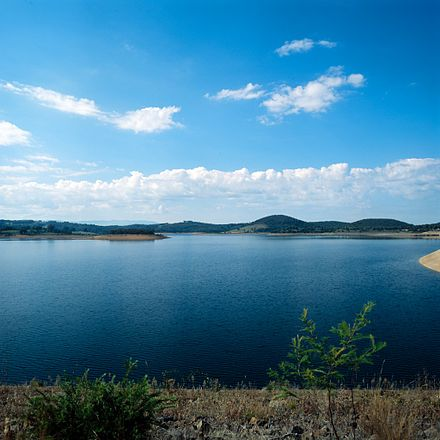 Sugarloaf Reservoir at Christmas Hills in the metropolitan area is one of Melbourne's closest water supplies. Sugarloaf Reservoir Melbourne.jpg