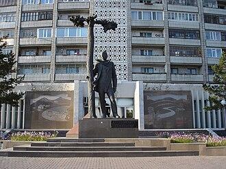 Pavlodar - Sultanmahmut Toraygirov monument