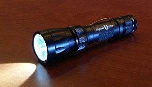 SureFire U2 digital variable-output LED flashl...