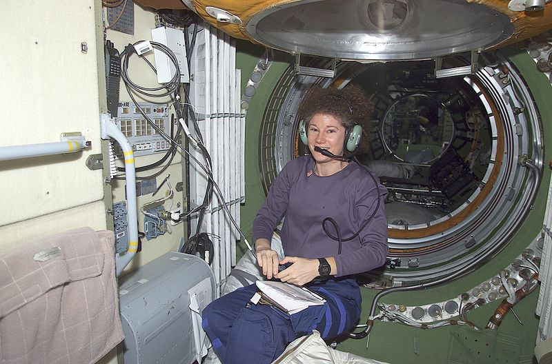 File:Susan J. Helms talks to amateur radio operators on Earth.jpg