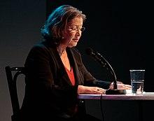 Австрийский суд отпустил убийцу домой - Страница 4 220px-Susanne_Scholl%2C_Rund_um_die_Burg