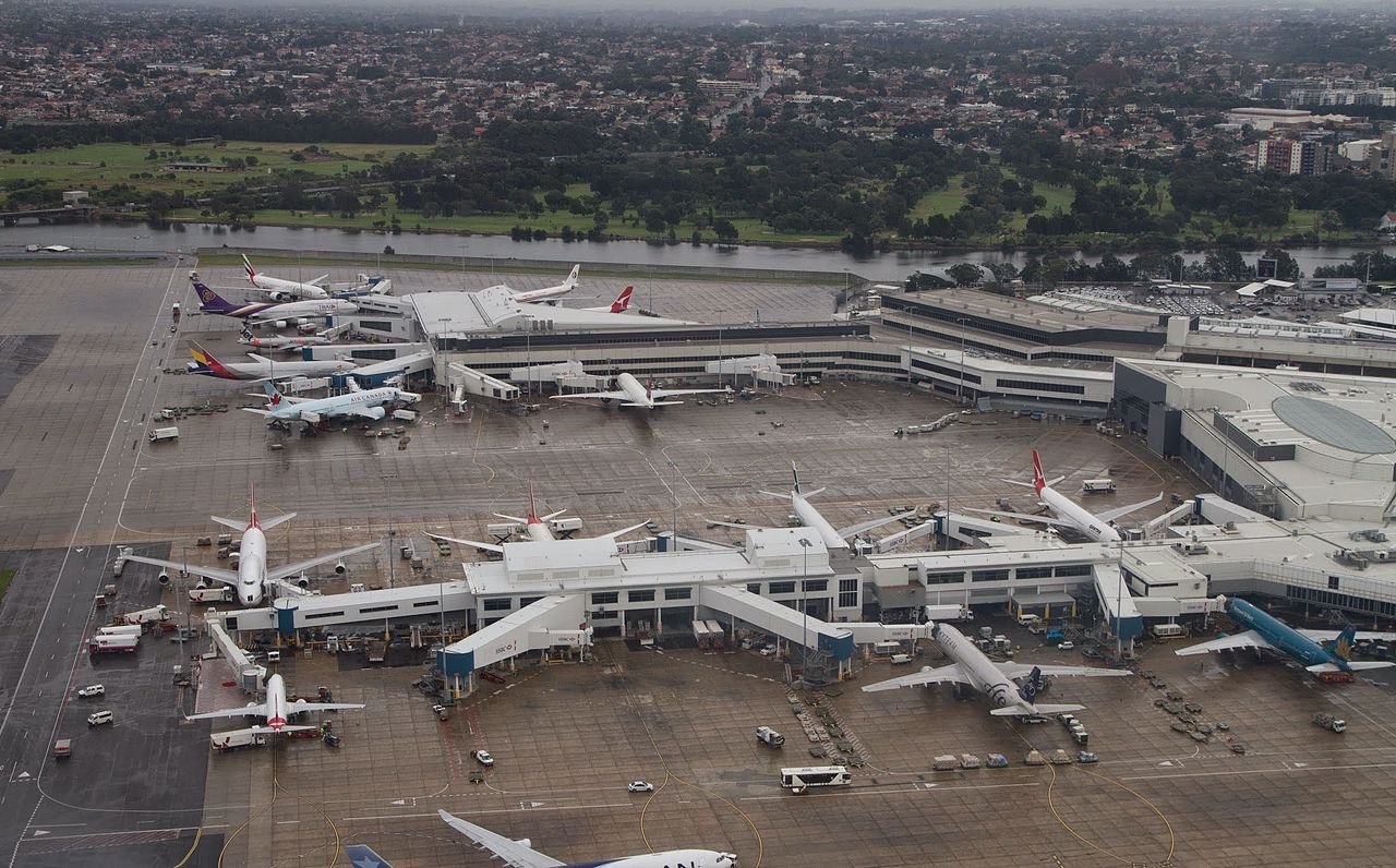 File:Sydney airport, T1 terminal.jpg - Wikimedia Commons