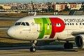 TAP - Air Portugal, Airbus A319-111, CS-TTO - LIS (18111089390).jpg