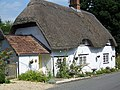 Thatched cottage, Clyffe Pypard - geograph.org.uk - 1442741.jpg
