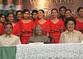 The President Dr. A.P.J. Abdul Kalam posing for a group photo with the students of College of Nursing, University of Philippines after visiting the College in Manila on 3 February 2006.jpg