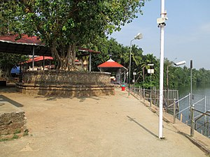 Tirunavaya Temple - River bank where austerities are performed for forefathers