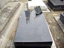 Tombe Virgil Gheorghiu, Cimetière de Passy, Paris.jpg