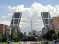 Torres Kio - Plaza de Castilla (5816121225).jpg